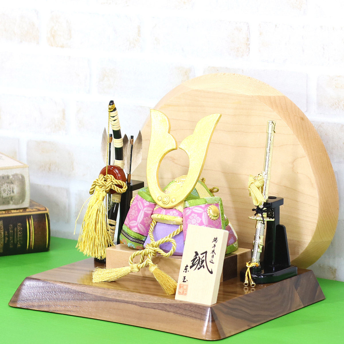五月人形 東玉 木目込み 兜飾り 颯シリーズ 「緑」 高級木材使用台屏風 ≪GOTG-NO14-W11≫コンパクト おしゃれ 木目込み 五月人形