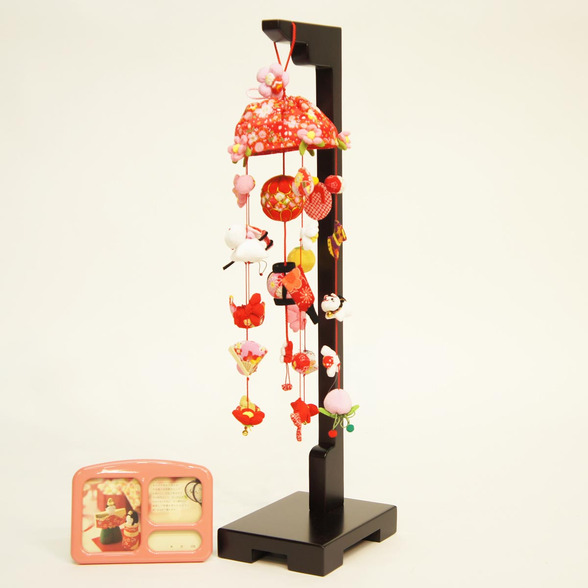 ひなもも (小) スタンド付き オルゴール付き TRS-BK-SB-G002S送料無料 ※北海道 沖縄は除く つるし雛 吊るし飾り で 桃の節句 雛祭り ひな祭り 雛人形 のお祝いに
