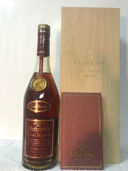 (1989年以前の特級表記の正規品) 希少レトロ古酒!コニャック 特級ブランデー(正規品) ヘネシー キュヴェ スペリオール 40度 700ml 木箱入り