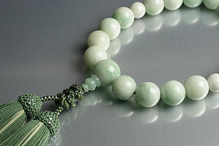 【数珠・念珠】最高級天然石念珠 16mm糸魚川ヒスイ数珠