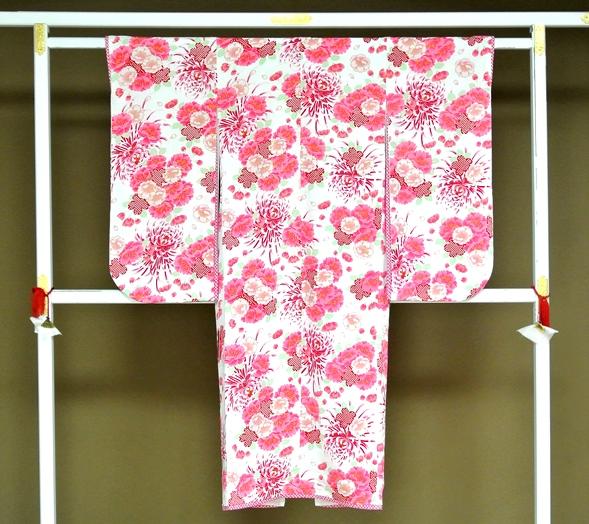 【JAPAN STYLE】7歳きもの白地ピンク花 仕立上がり