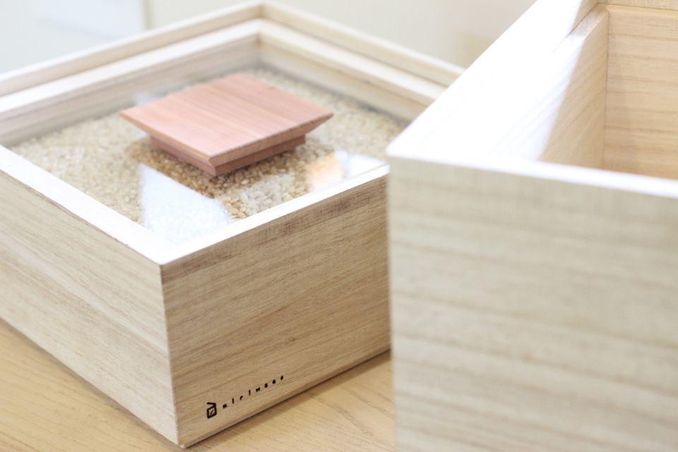 玄米や餅米用にぴったり 祝日 米びつ kome-bitsu 1kg キッチン用品 桐 木製品 職人 桐箱 出色 日本製