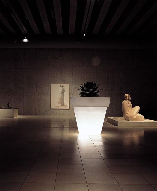 光るプランター バスワン ライト付き (直径130cm×高さ120cm) セラルンガ SL-613L 【屋外仕様】 照明 Serralunga Designers Vas One Light イルミネーション イタリア製