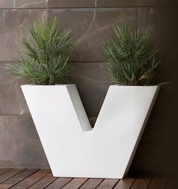 スペイン製デザイナーズプランター ウーヴェ (高さ80cm) UVE VN-43340A ボンドム VONDOM Designers MADE IN SPAIN