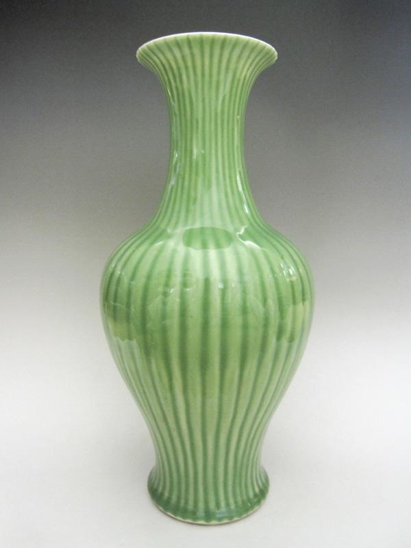竜泉窯 砧青磁シノギ花生 中国 陶磁器 花瓶