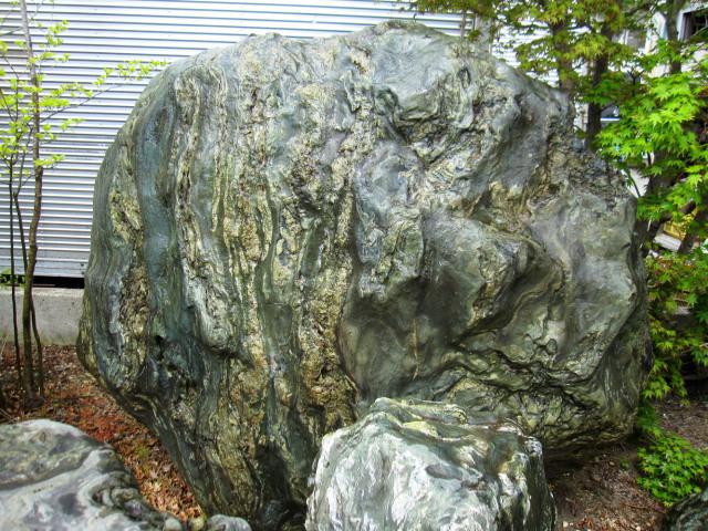 四国 青石 ni007伝統的な庭園もモダンなお庭にも馴染む庭石庭石 銘石 景石
