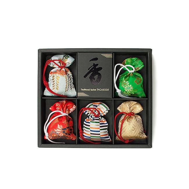 【匂い袋】京都・松栄堂の匂い袋(大きさ6cm)<BR>誰が袖-極品の香り<BR>(5個入り-ケース入り)<BR><BR>松栄堂 香り袋 室内香 お香 におい袋 匂袋<BR><BR>