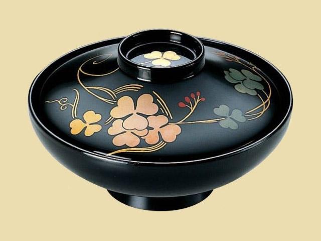 本漆塗・手描き磨蒔絵。 平富士煮物椀 黒クローバー