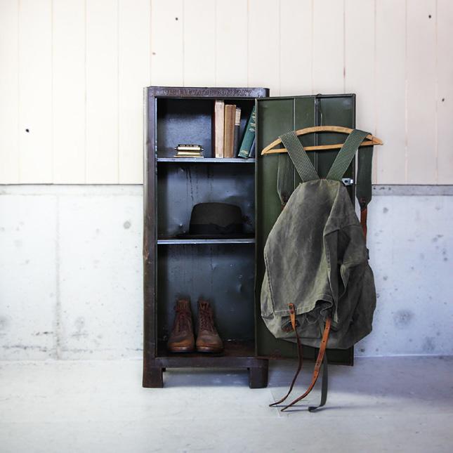 【アメリカンアンティーク】 steel industrial shelf(brown) -古い鉄製のロッカー- 【中古】