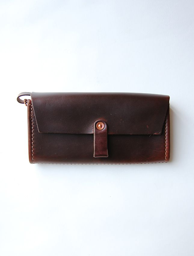 03e33414f8fa □DATE: NEW □SIZE: 実寸:縦10cm、横20cm、厚さ5cm (折りたたみ時) □COLOR: BLACK, BROWN, RED  □MATERIAL: レザー□CONDITION:新品