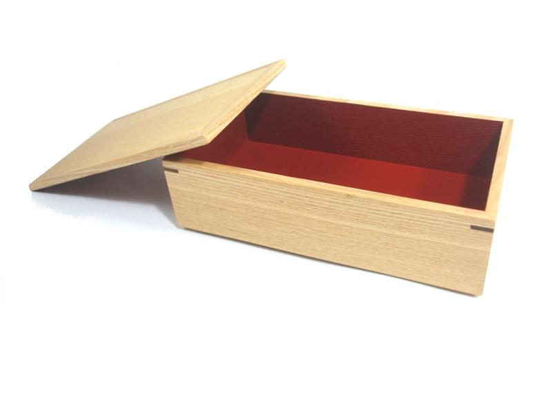 """Shiraki painted ash long Horn double Bento box in red (small)'"