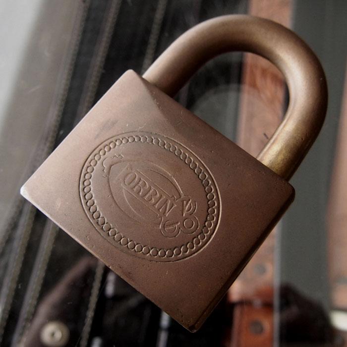 【メール便配送】 1900s VINTAGE CORBIN PADLOCK ビンテージ コービン パドロック(南京錠) 送料無料