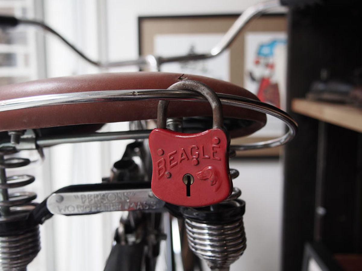 比格犬挂锁古董 / 古董小猎犬挂锁