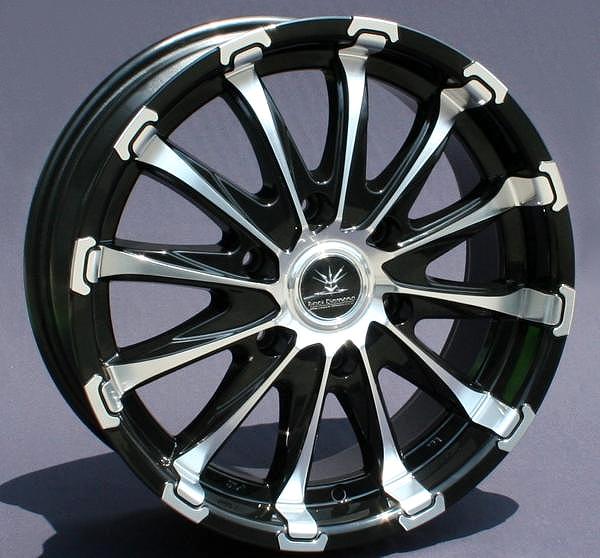 ■ Black Diamond BD12 ■Hankook V12evo 225/50R18 タイヤ付4本セット200系ハイエース推薦サイズ PCD139.7