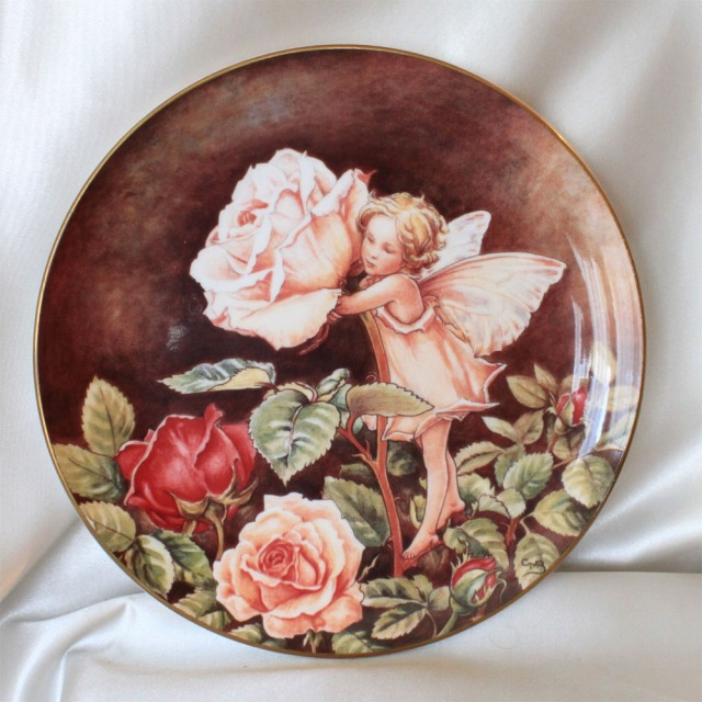 Cute rose fairy rose (Rose) flower fairy flower fairy painting plate Cicely Mary Barker United Kingdom border ( Border ) Flower Fairy rose