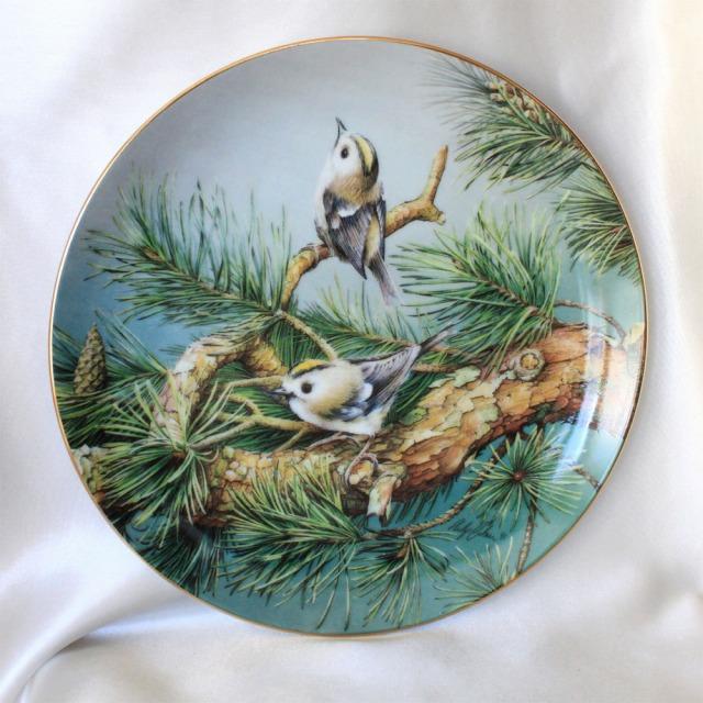 ゴールドクレスト キクイダタキ 色鮮やかなイギリスの鳥 カラフル バード ブリテン ヘリテイジ プレート 絵皿Hamilton collection松の木 【送料無料】 中古