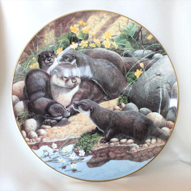 1994年 かわうその親子 オッター Otter エイドリアン リグビー画 Adrian Rigby ロイヤル ドルトン Royal Doulton 絵皿 ウォール プレート 飾り皿 プレゼント ギフト 【中古】 【送料無料】 02P31Aug16 02P06Aug16 532P14Aug16