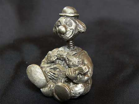 Clown banjo pewter (PEWTER) thimble (thimble) England thimble collectors,  Club TCC issued surprise