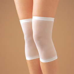 Knee support moist smooth layering and also does not stand out. One-size-fits-all target women, prevention of poor circulation, Rakuten senior market