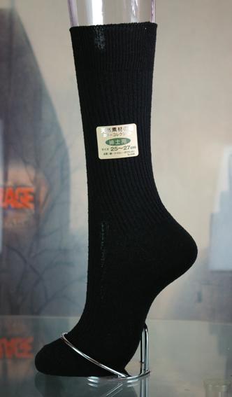 シルクの効果で足臭くなりません。 お肌に優しく暖かい【卸し値販売】(水虫解消)シルクの効果で足臭くなりません【シルクのソックス】ゆったりロング型絹の効果で蒸れずに保温。履き心地壮快です。男性用シルク靴下25~27cm日本製 Made in Japan