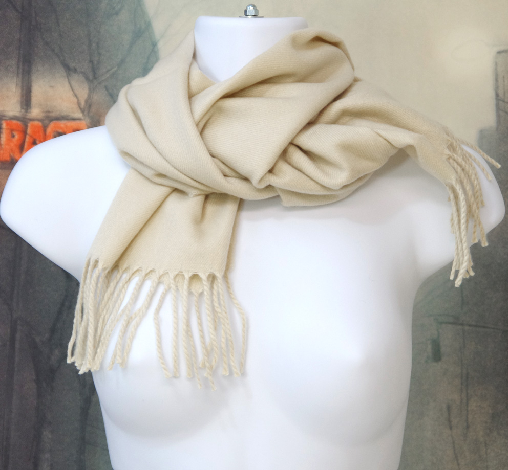 Warm winter stole (synthetic material) was thick long shawls  140 x 30 cm  is a product of size and chemical fiber 100%  Color: beige