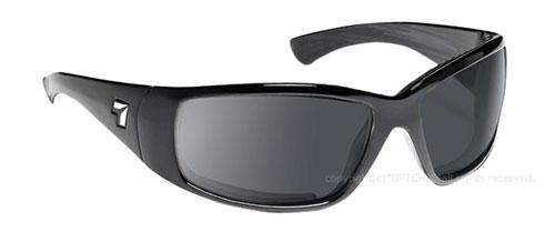 【7eye】サングラス SPF100シリーズ TAKU PLUS セブンアイ タクプラス グロッシーブラックフレーム NXT調光偏光ナチュラルグレイレンズ