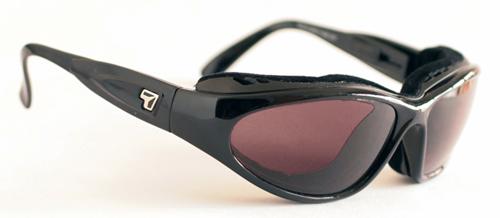 【7eye】サングラス SPF100シリーズ CAPEセブンアイ ケープ グロッシーブラックフレーム NXT調光偏光レンズ グレーローズ