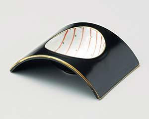 和食器 ミ052-096 黒マット朱十草アーチ型小付