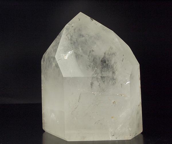 天然水晶 5700グラム六角柱 水晶 ポイント