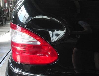 輸入車修理 激安価格と即納で通信販売 セール品 小破 メルセデス 300E修理内容:修理内容:右リヤフェンダー ペイント修理工賃ポイント10倍 へこみ修理