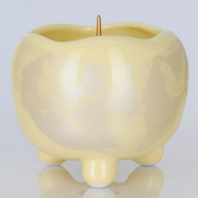 陶器製の美しい灯立てです 週末限定9月4日20時~全品ポイント3倍 陶器 まるか 秀逸 灯立 ローソク立 カナリアイエロー 奉呈