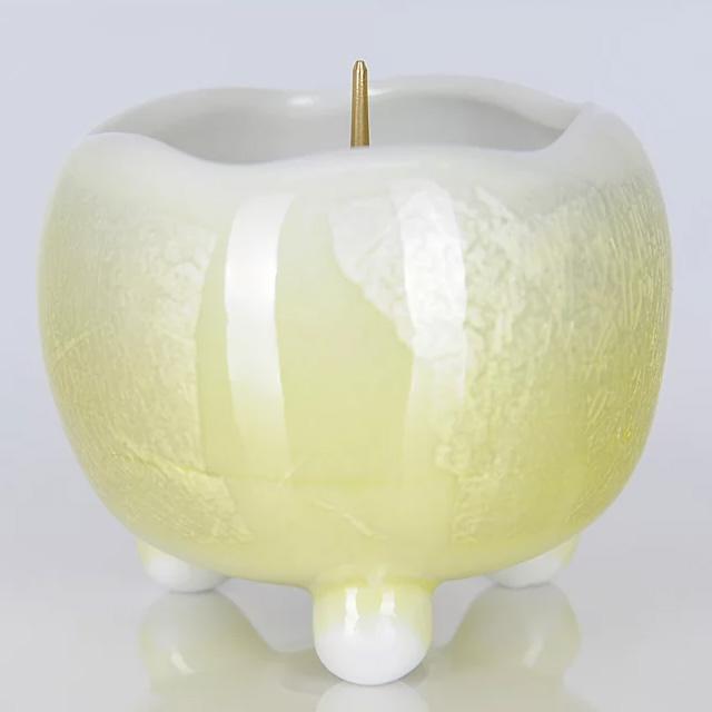 陶器製の美しい灯立てです 週末限定9月4日20時~全品ポイント3倍 公式 陶器 当店は最高な サービスを提供します 九谷焼銀彩 ほのか イエロー 灯立 ローソク立