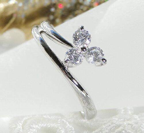 pt900 スリーストーンダイヤモンド リング
