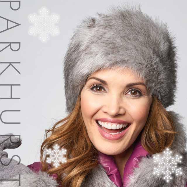 コサック帽子みたいなレディースファー帽子 寒い北の国・カナダから軽くて暖かいふわふわファー帽子が届きました。カナダ老舗レディース帽子ブランド・パークハースト
