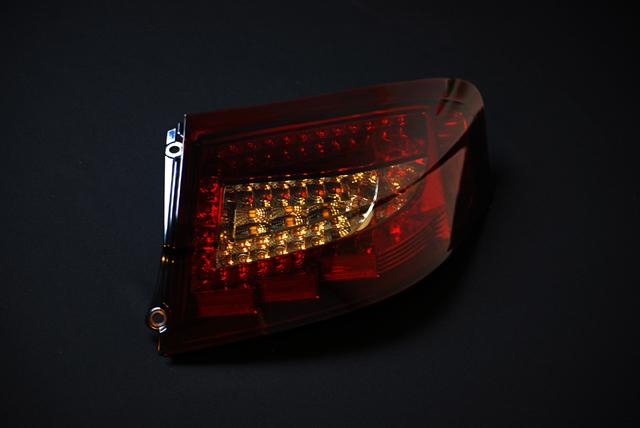 ポルシェ 911 ワイド ボディLEDテールランプ (カレラ 4S GT2 turbo 996)赤スモーク