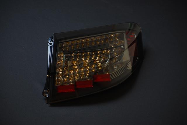 ポルシェ 911 ワイド ボディ用LEDテールランプ (カレラ 4S GT2 turbo 996)スモーク
