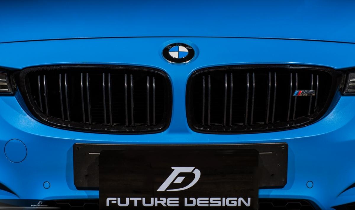 BMW F80 F82 F83 M3 即出荷 M4 フロント用艶ありブラックキドニーグリル パフォーマンス Performance style 2 迅速な対応で商品をお届け致します センターグリル
