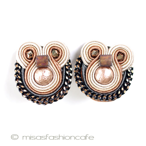 Doli Changli Clip Earrings Doricsengeri Jewelry Pouch With Costume