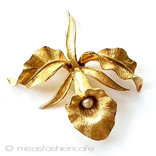 アンティークジュエリー ブローチ 新商品 新型 真珠蘭の花 フラワー Vintage ヴィンテージ コスチュームジュエリ アクセサリー ギフト 海外直輸入USED品 日本製 プレゼント