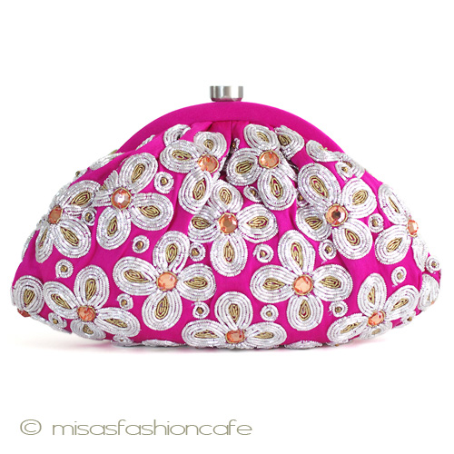 【送料無料】SANTIサンティ クラッチ バッグ 刺繍の花 ガマ口タイプ (ピンク) パーティーバッグ 結婚式 二次会 着物にも♪ 【在庫あります】