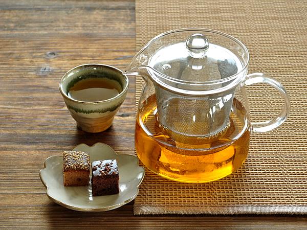 食器 ティーポット ガラス おしゃれ 耐熱ガラス カフェ風 お茶ポット800cc(ステンレス製カゴ網付き)
