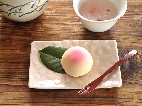 食器 取り皿 おしゃれ 和食器 モダン 菓子皿 美濃焼 プレート 角皿 さくら アウトレット カフェ風 sakura菓子皿(かさね桜)(miyama ミヤマ 深山)