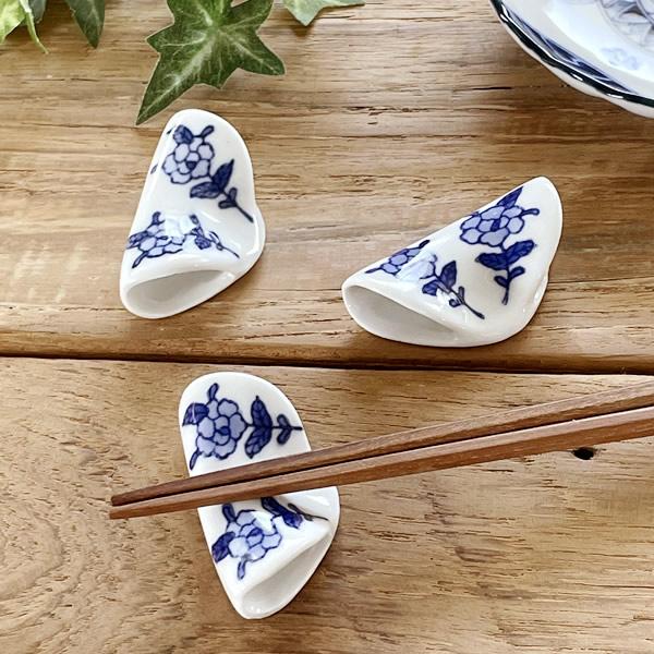 和食器 染付け牡丹手造り風箸置き 中国製 食器 おしゃれ 訳あり 通販 カフェ風 箸置き cafe風 ストア 器 アウトレット 日本産
