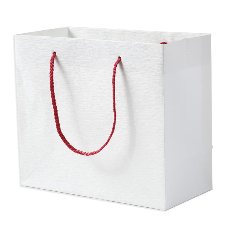 中サイズ プチギフト専用の和風の引き出物袋です 引き出物宅配を利用される方には必須アイテムです 高さ22cm×横幅25cm×マチ幅12cm 引き出物 紙袋 公式ショップ 和紙加工 ブライダルバッグ 引き出物袋 プチギフト 和風バッグ 無地 中 おしゃれ 結婚式 迅速な対応で商品をお届け致します 引出物袋 ブライダル用 1枚 内祝い ギフト プレゼント ペーパーバッグ和 和風 引き出物用 和柄 手提げ紙袋 引出物 和婚 お祝い 小さい お返し 出産