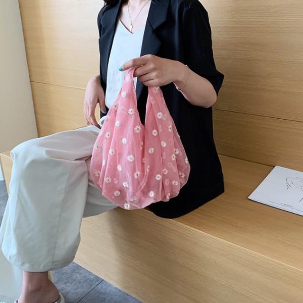 とっても可愛いチュールバッグ エコバッグ マーガレット チュールエコバッグ 花柄 捧呈 2色 シューズ入れ コスモス 収納 ショッピング かわいい オーガンジー コンパクト 発売モデル お買い物 エコ
