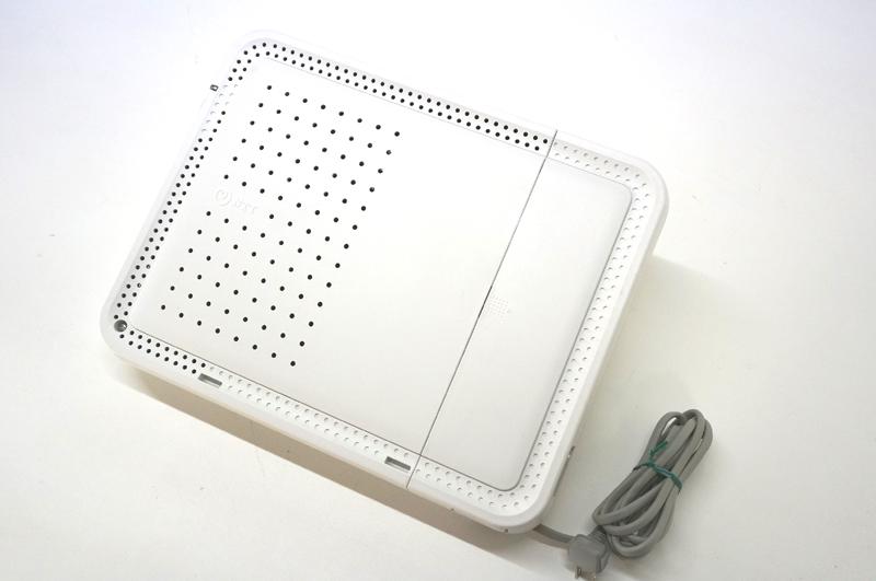 【中古】NTT ネットコミュニティシステムBX2 アナログ用主装置 白 ビジネスホン 電話機は最大で8台を接続可能、外線は最大でアナログ回線2本収容可能 BX2-AME-(1)