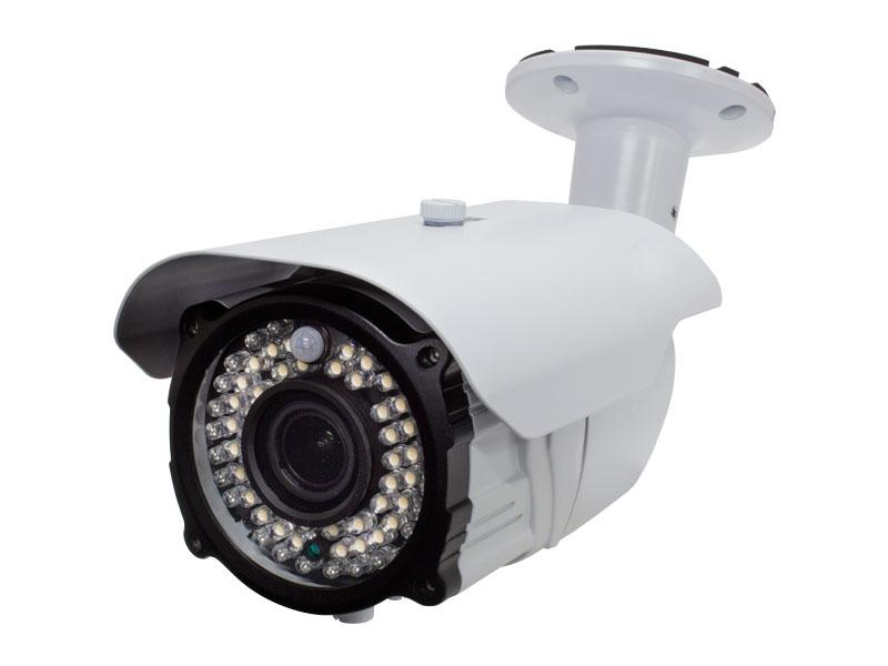 【新品・塚本無線】防犯カメラ 監視カメラ センサーライト付防犯カメラ 赤外線カメラ 220万画素 AHD対応 屋外防滴仕様(防水ではございません) WTW-ASL56MP(電源アダプター付)発注商品の為ご注文後のキャンセル、返品、交換(初期不良以外)は不可。