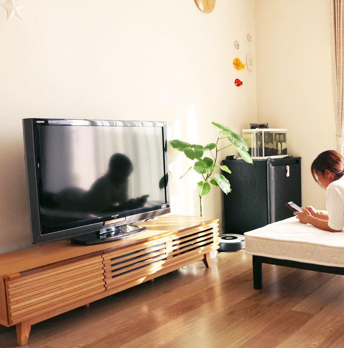ルーバータイプのおしゃれな テレビ台 ローボード 幅150cm タモ材(ナチュラル、ブラウン) 格子デザイン 和風モダンデザイン リビングボード テレビボード【QSM-240】  t001-