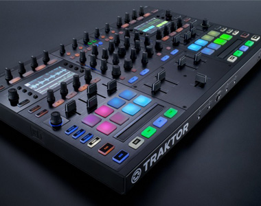 NativeInstruments DJコントローラー/TRAKTOR KONTROL S8【送料無料】