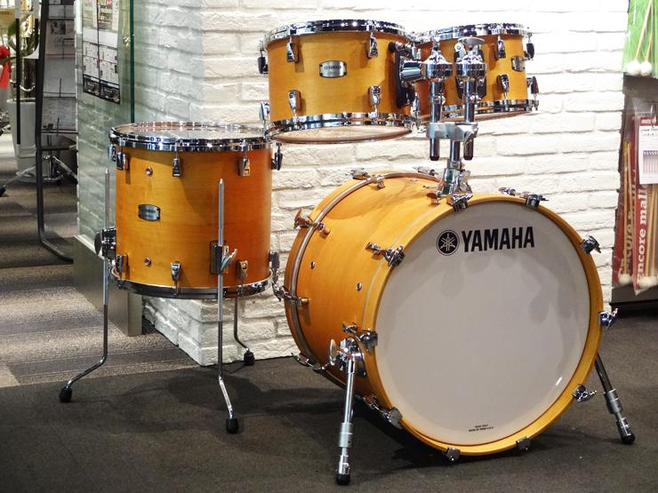 送料無料!!YAMAHA(ヤマハ)ドラムセット Absolute Hybrid Maple 22